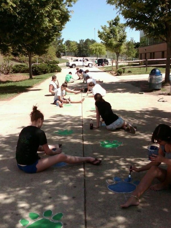 emery_key club paw prints painting