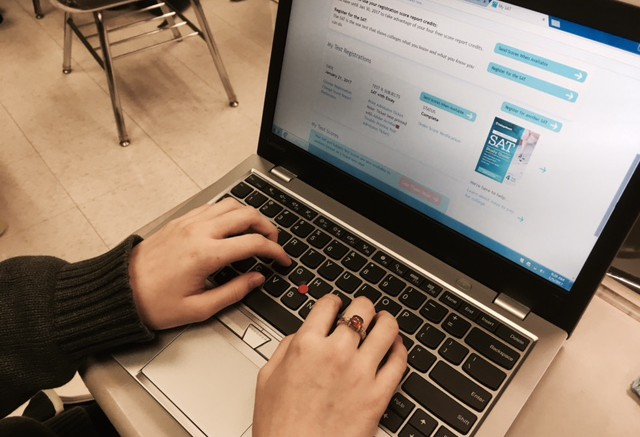 A student studies for the SAT on Khan Academy. The College Board and Khan Academy have teamed up, helping make study schedules for students. (Photo Courtesy of Ben Zahavi)