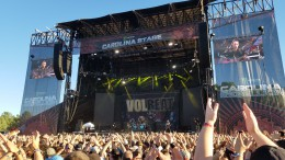 """Fan clap along with Volbeat's rendition of Johnny Cash's """"Ring of Fire"""". Volbeat accompanied big-name bands like Def Leppard, Soundgarden, The Offspring and Avenged Sevenfold throughout the weekend (photo courtesy Will Hollerung)."""