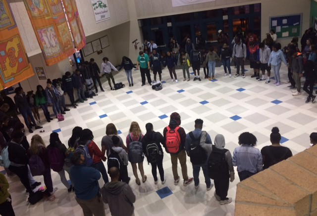 Leesville students unite to come together in prayer. The circle brings a positivity to the start of the school day. Photo courtesy of Kyla Stone Houze.